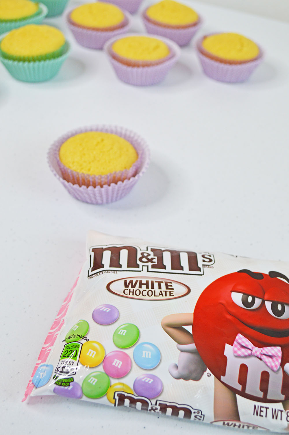 cupcakes and m&ms