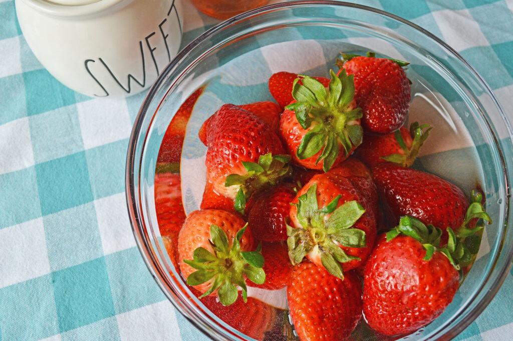 moscato strawberries