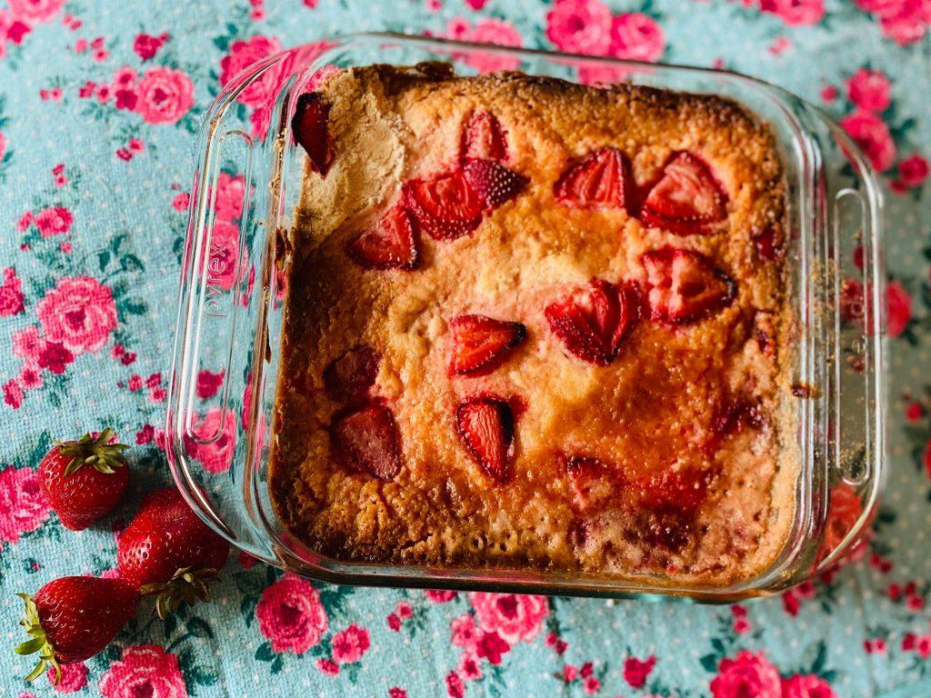 strawberry shortcake dump cake