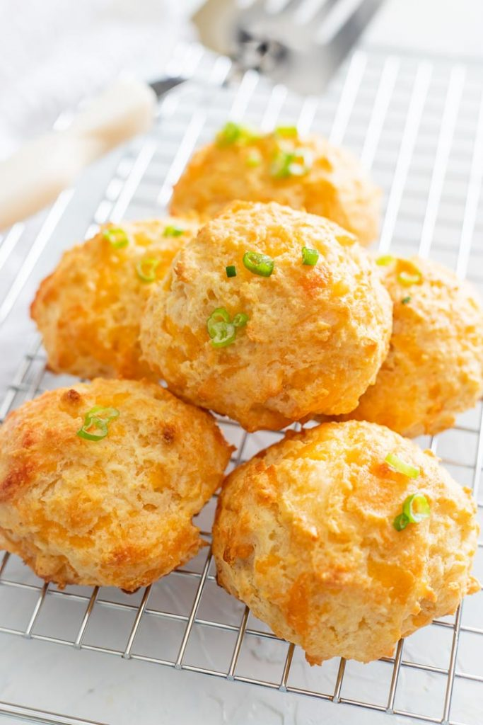 cheddar baked biscuits