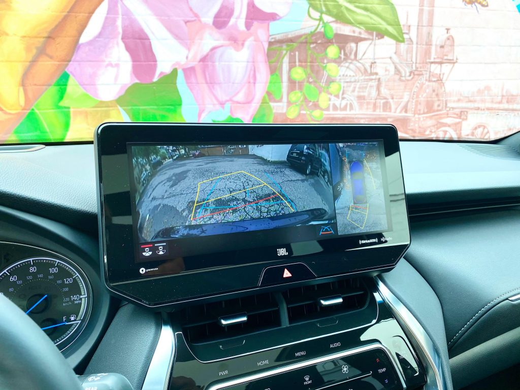 Touchscreen of 2021 Toyota Venza