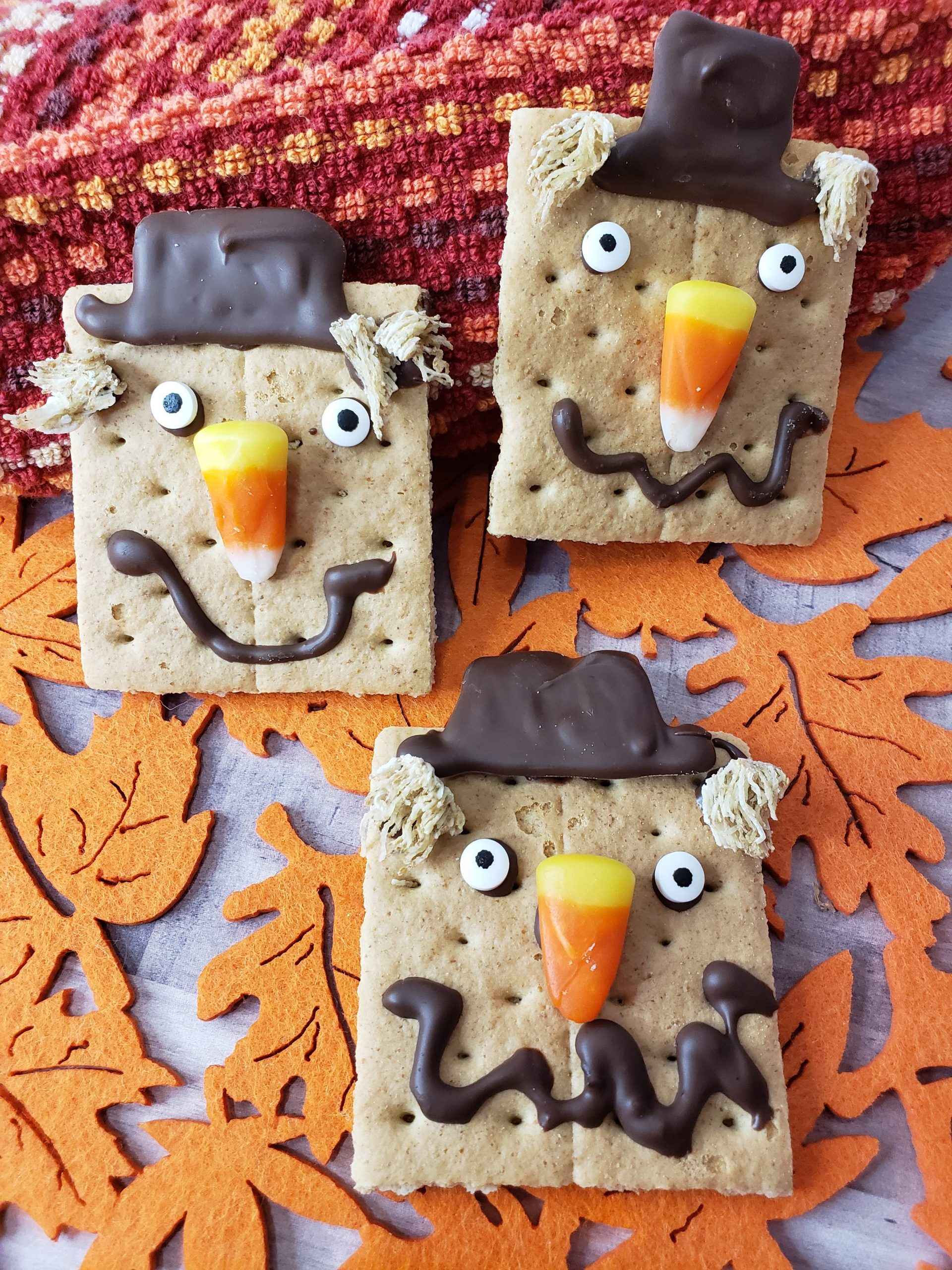 scarecrow graham crackers
