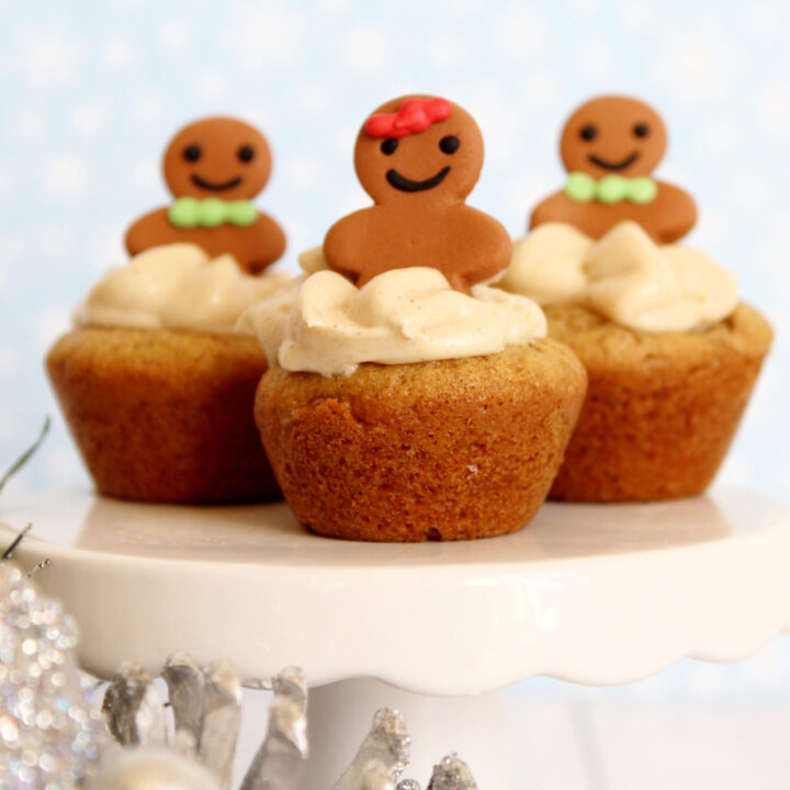 Adorable Gingerbread Cheesecake Cookie Cups Recipe