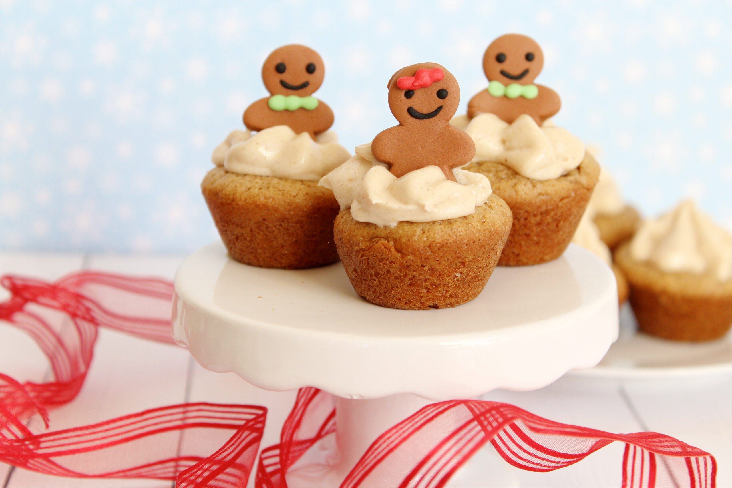 Gingerbread Cheesecake Cookie Cups Recipe