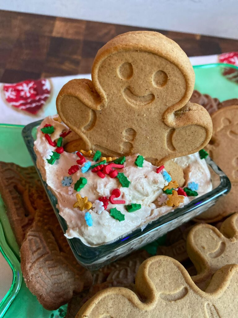 gingerbread cheesecake dip