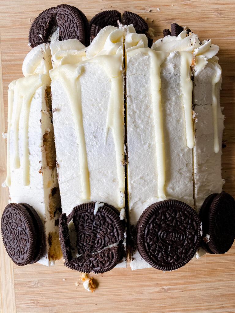 how to cut a custom cake