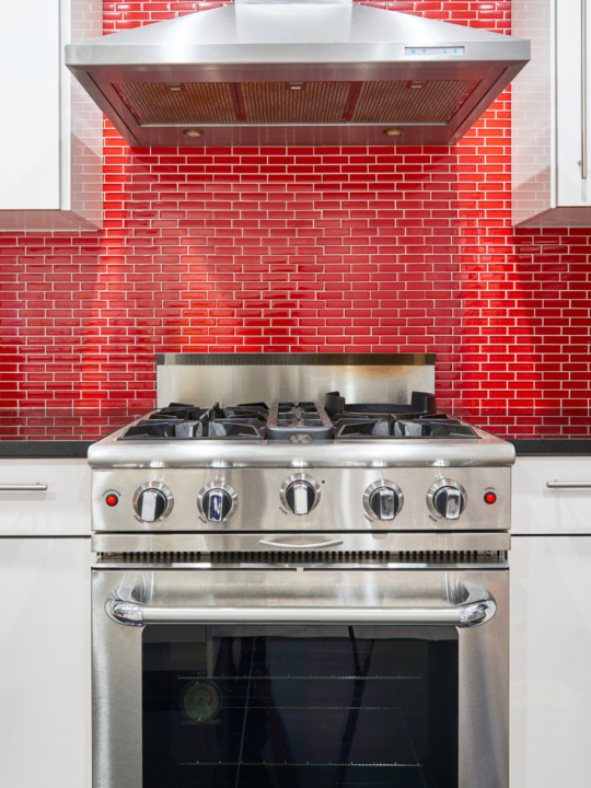 Tips On How To Properly Clean Your Stove in Preparation for the upcoming Holiday Season